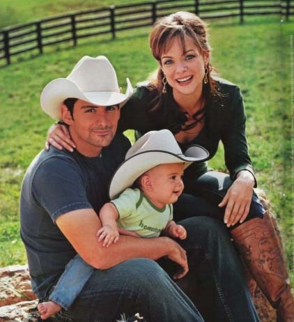 brad paisley and wife and baby. Brad Paisley has